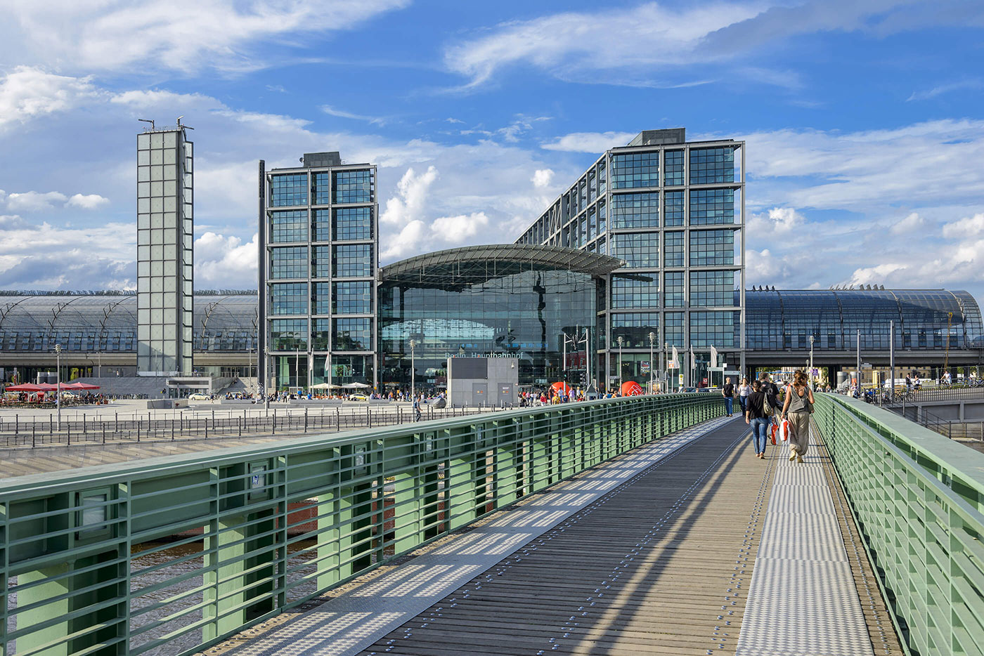 Titelbild Industriekunden. Frontansicht Hauptbahnhof Berlin