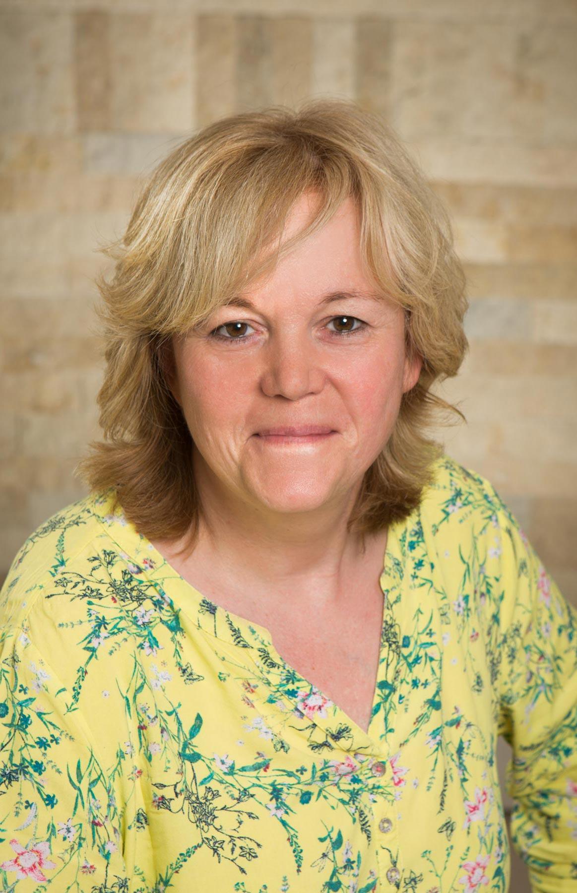 Porträt Teichert, Assistentin der Geschäftsführung